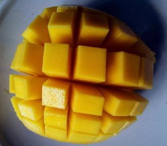 mango-cut-open-214268_960_720