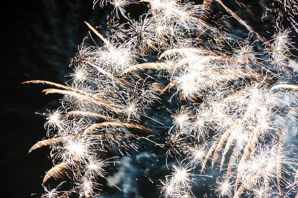fireworks-1818777_960_720